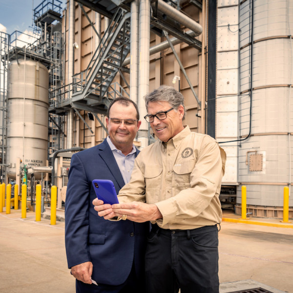 Secretary of Energy Rick Perry captures his own photo of his visit to TECO.